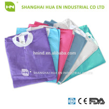disposable PE coated PP SMS SMMS medical lab coats with knitted cuff and collar and difference size