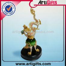 Estatuilla de jade personalizada de dragón dorado 3D