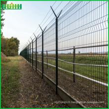 Le prix d'usine à bas prix et l'usine fine d'escrime d'aéroport produisent une clôture en treillis métallique