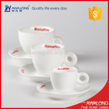 Haltbare Porzellan-weiße weiße keramische Kaffeetasse und Untertassen besonders angefertigt