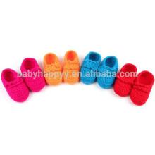 Chaussures de chaussures en laine de crochet faites à la main pour bébé à la vente chaude