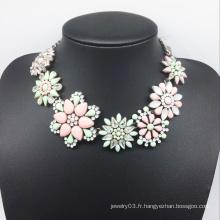 Collier de diamant coloré de grosse fleur en résine (XJW13775)