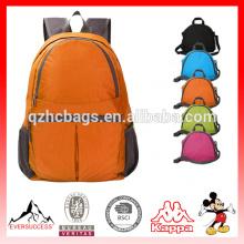 Leve Mochila de Nylon Durável Embalado Daypack Uso Ao Ar Livre para Caminhadas Biking Correndo Camping Viajando Escola e Esportes