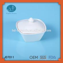 Weißes keramisches quadratisches Glas mit Deckel, Porzellanglas für Hotelgebrauch