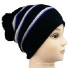 Bonnet tricoté avec motif rayé NTD1648