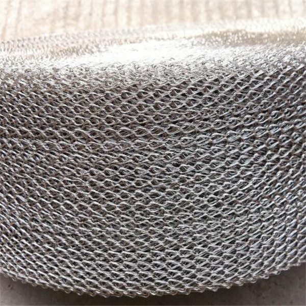 flat and crimped knitted wire mesh fabric