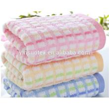Ensemble de serviettes en gros de couleur de l'ensemble de couleur haute qualité 100% coton serviette de bain en couleur unie