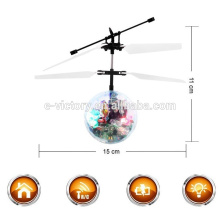 Juguete de vuelo para helicóptero rc de venta inducción vuelo bola con luz led