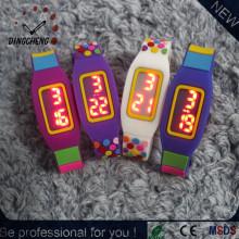 Montre lisse en silicone à LED Montres numériques couleur, tactile