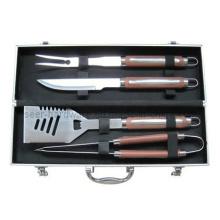 Equipo de la barbacoa 4PCS con el embalaje de aluminio del caso (SE4877)