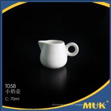 China venta al por mayor caliente de flores de diseño de cerámica barco de leche