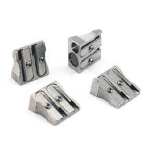 2 отверстия серебристого металла точилка для студента