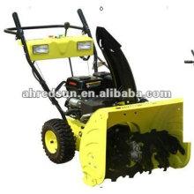Schneefräse für Traktoren mit 5 Vorwärts- und 2 Rückwärtsgängen