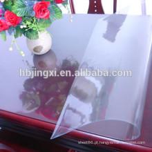 Folha macia do PVC claro para o pano de tabela