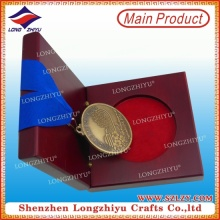 Kundenspezifische Metallmedaille mit Holz-Vitrine Geschenkbox zum Verkauf