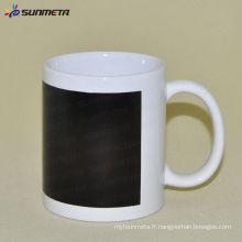 Tasse blanche de sublimation de 11 oz avec changement de couleur de patch noir