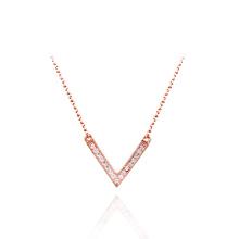 Hochwertige preiswerte V-Formdiamant-hängende Halskette gefälschte Diamant-kubische Zirconia-Halskette