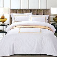 Kundengebundene Stickerei-weiße Hotel-Bettbezug-Sätze (DPFB80111)
