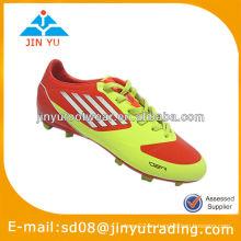 El último zapato del fútbol del punto