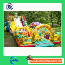 Gigantesque dinosaure gonflable parc d'attractions aire libre aire de jeux gonflable amusant ville