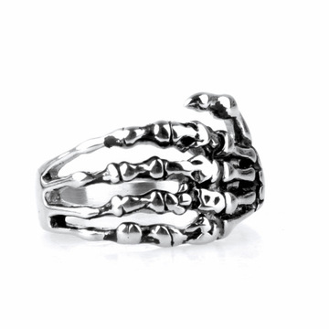 Venta al por mayor Personalidad The Skeleton Hand Men's Skull Ring
