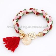 Bracelet style pendentif en laine