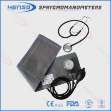 Esfigmomanômetro aneroide com estetoscópio