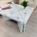 Table basse en verre blanc triangle texture marbre