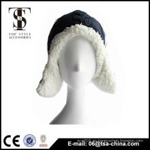 Diseño del cliente de la tapa de fieltro con las orejas