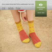 Nacional estilo niña Japón cómodo calcetines de tubo de dibujos animados china calcetín al por mayor