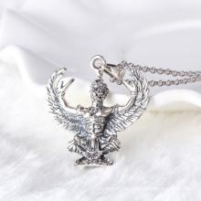 Collar pendiente masculino de plata negra tailandesa del halcón
