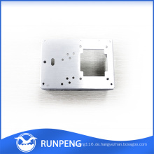 Kundengebundene Metallteile Aluminium Cnc maschinell bearbeitete lochende Teile