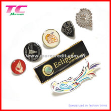 Perno personalizado de la solapa del metal con el esmalte colorido