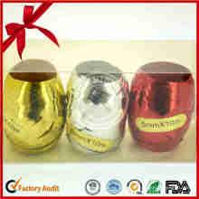 Красочные фигурные ленты яйцо на Рождество