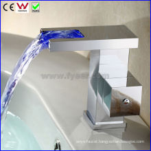 China Brand New Waterfall Brass LED Basin Tap Faucet (FD15057F)