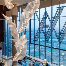 2021 Lámpara de araña de lujo de la hoja del hotel del techo del nuevo diseño