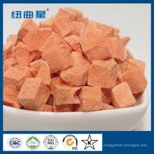 Gesunde gefriergetrocknete Karottenstreifen zum Kochen