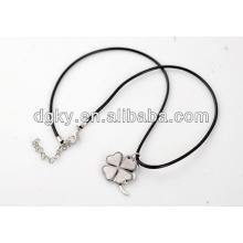 Collares de trébol de cuatro hojas Collares de encargo de los pares del acero inoxidable