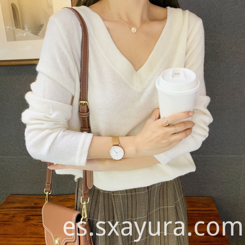 Long-sleeved Solid Color Top