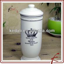 Blanco corona tejido caja titular
