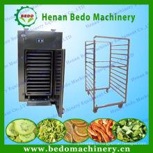 Machine commerciale de déshydrateur de fruit de 2015 / four de séchage de nourriture / équipement de déshydratation de légume avec du CE 008613253417552
