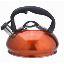 Чайник цвета кофе новая плита со свистящим носиком