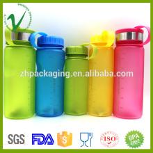 Bouteille d'eau chaude en plastique vide colorée PCTG haute qualité pour boire