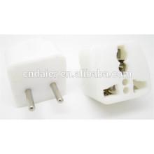 Tomacorriente eléctrico de color blanco ASP-1034 con 2 clavijas planas