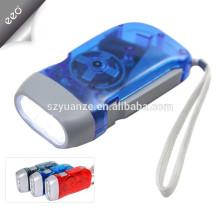 Tocha de dínamo recarregável de 3 LEDs