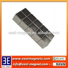 5x5x5mm tamaño magnífico del poder permanente asombroso del imán sinterizado / pequeño imán del neodimio del cubo para la venta