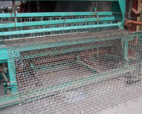 crimped wire mesh production