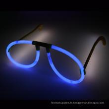 verres bleus de bâton de lueur