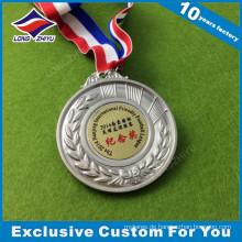 Preiswerte Medaillen-Gewohnheit gestickte Medaille mit Medaillen-Bändern