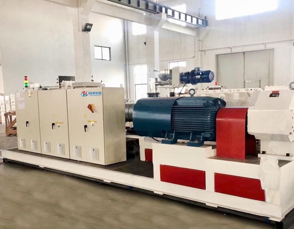 SPC Floor Production Machine